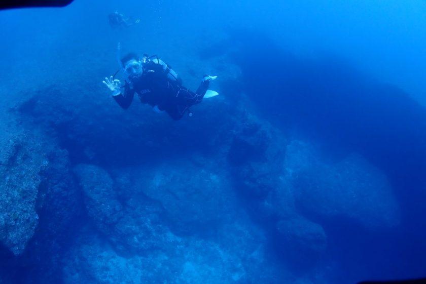 宮古島ファンダイビング・伊良部島のL字アーチ