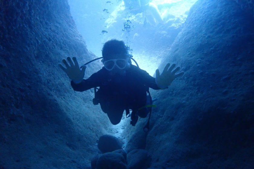体験ダイビングで地形満喫