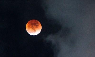 / Superluna y eclipse lunar. Alexander Kriázhev / Sputnik