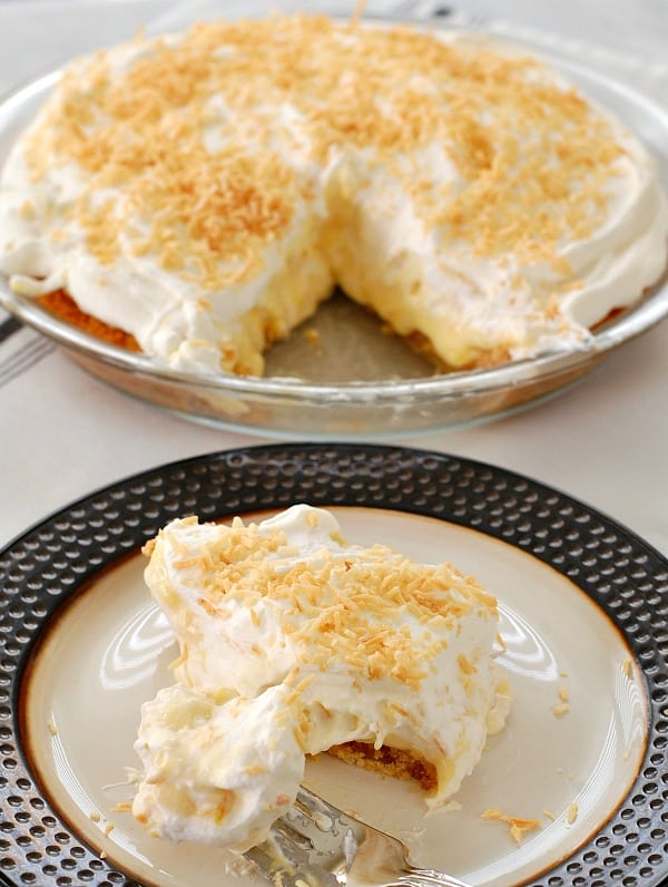 Piña colada pie is a must-make for anyone who loves the cocktail or dreams of a dessert worthy of eating in a tropical paradise. | mjbakesalot.com