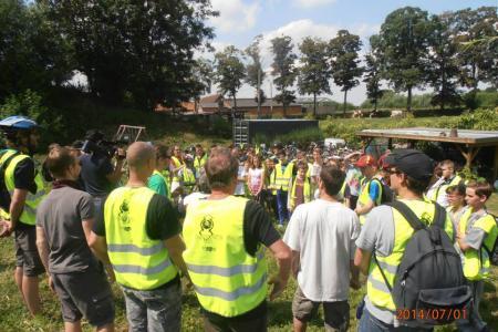Le Wapicyclette emmène les membres des Maisons de Jeunes, de Brugelette à Comines-Warneton