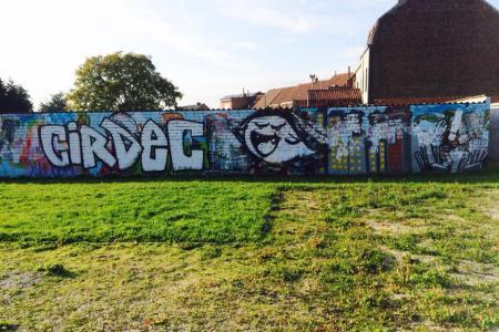 Mouscron: la fresque réalisée par les jeunes est déjà souillée