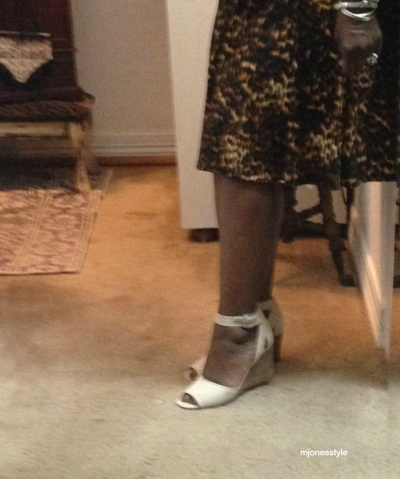 #leopardprintskirt #creamwedgesandals