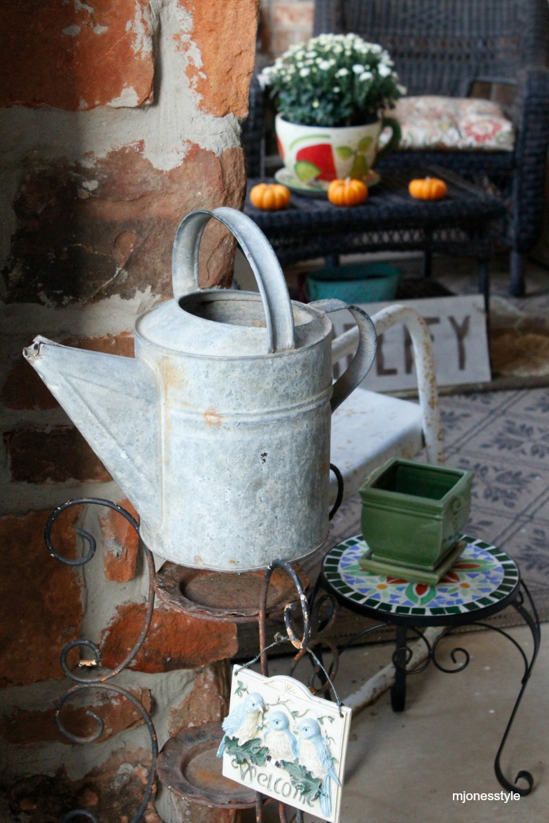 #vintagewateringcan #falldecor