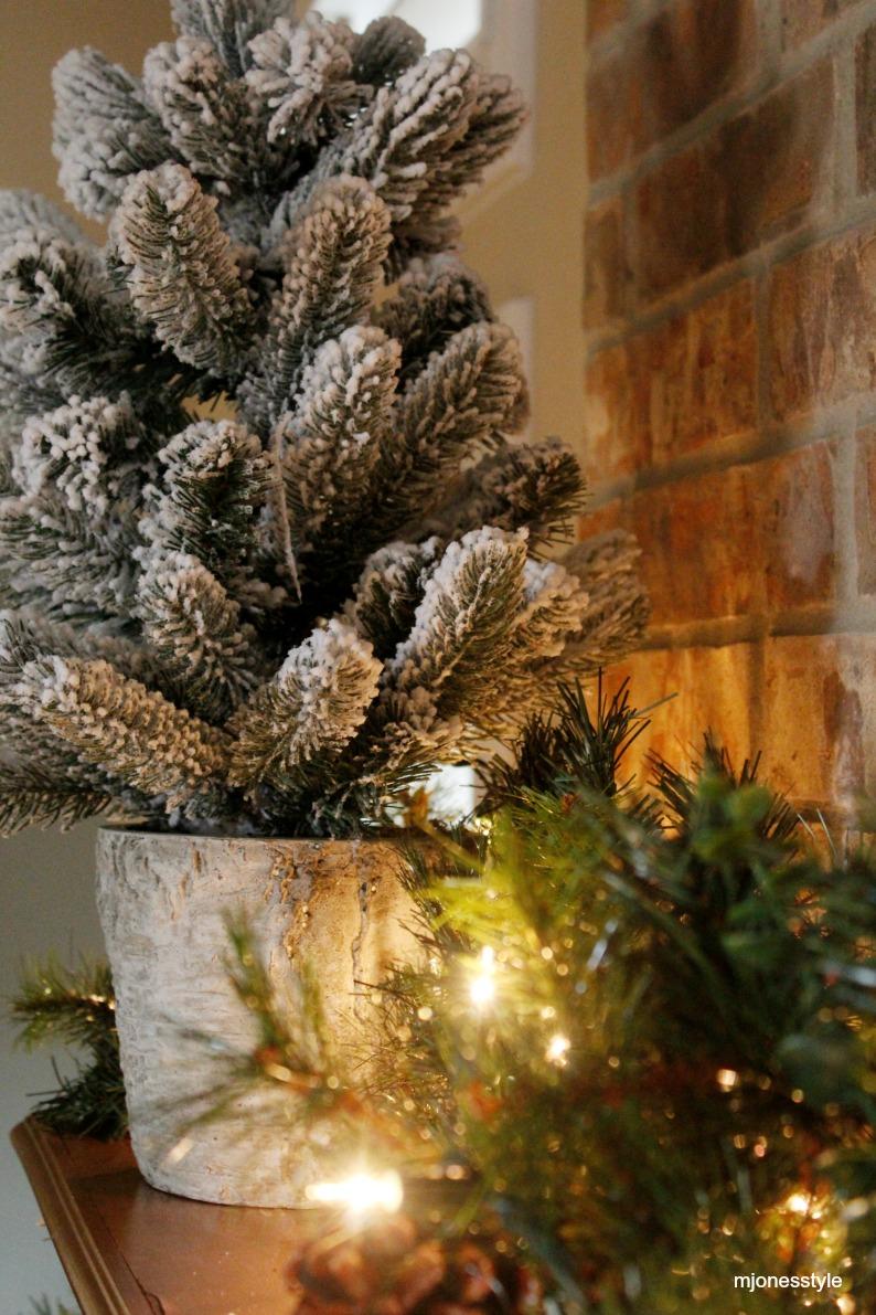#miniflockedchristmastree