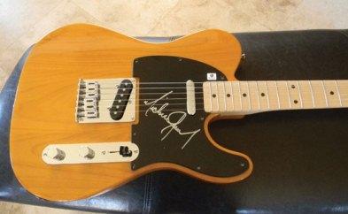 auction_guitar