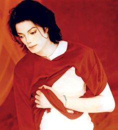 MJ-Earth-Song-Set-michael-jackson-24383433-1100-1207
