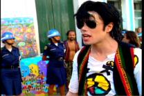 -they-don-t-care-about-us-mj-s-robot-dance-25151195-720-480