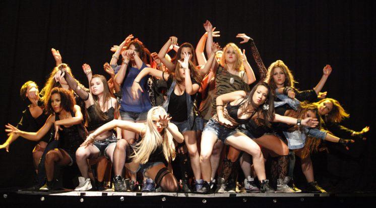 Gala 2011 - MK Dance Studio Pontault-Combault 77 (1)-min