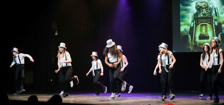 Gala-2014-Silence-on-tourne---Prod-100%-MK-Enfant---MK-Dance-Studio-Pontault-Combault-77-(2)