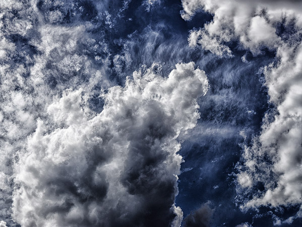 Cloud-abstracts-kissing-clouds-02