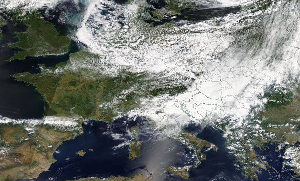 2018-06-22 Europe cloud coverage Worldview