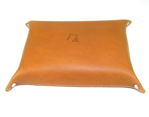 Vide- poche en cuir idée cadeau décoration intérieure