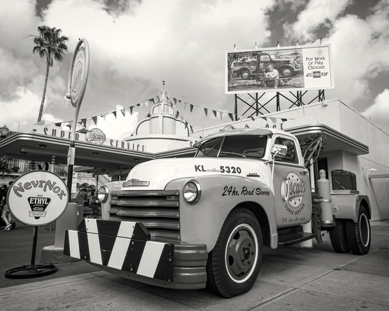 MLCreations Photography: WDW in B&W &emdash; 24hr Road Service