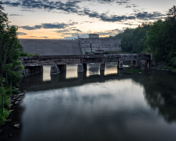 MLCreations Photography: Landscapes &emdash; Dam Morning