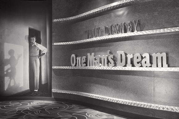 MLCreations Photography: WDW in B&W &emdash; One Man's Dream