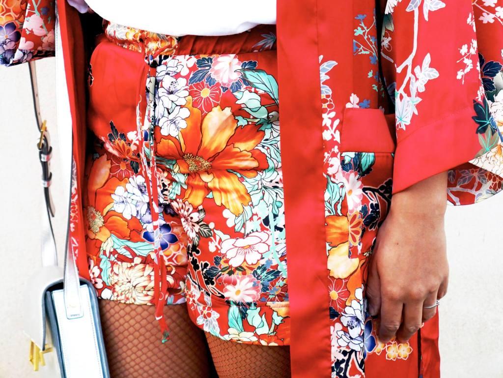 short rouge kimono