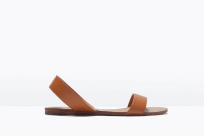 La sandale basic couleur camel 25,95€ ZARA