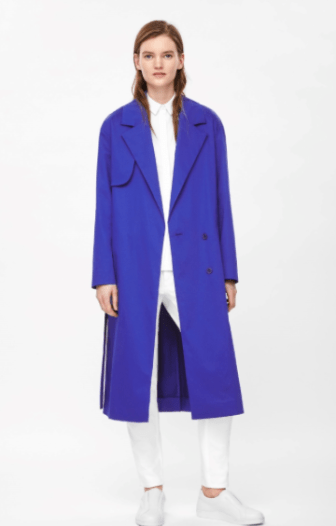 Le trench long coloré COS 150€