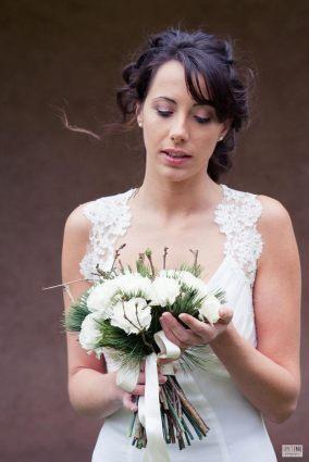 La-mariée-et-son-bouquet-d'hiver