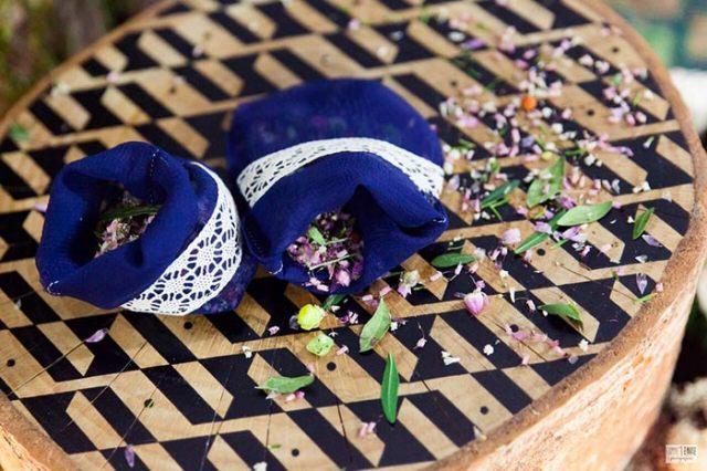 Les-confettis-de-feurs-séchées