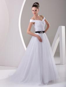 White Romantic Lace A-line Sweetheart Neck Wedding Dress