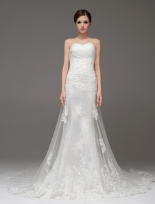 Sheath Twisted Ivory Wedding Dress For Bride with Sweetheart Neck