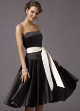 Black Elegant Strapless Sash Satin Prom Dress