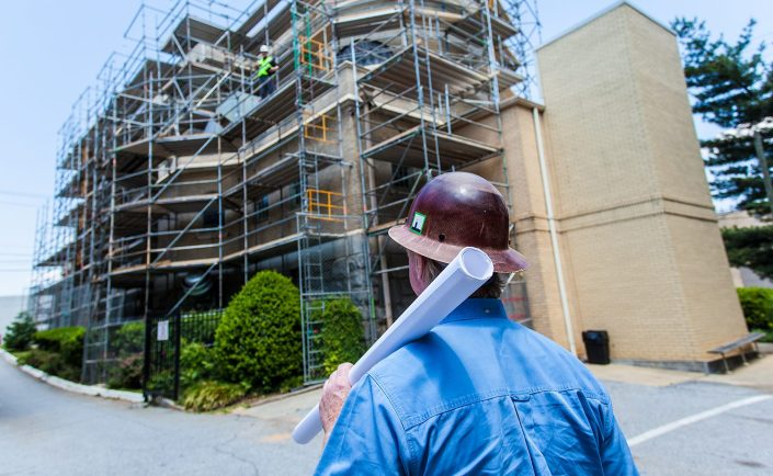 industrial-construction-inspector-scaffolding