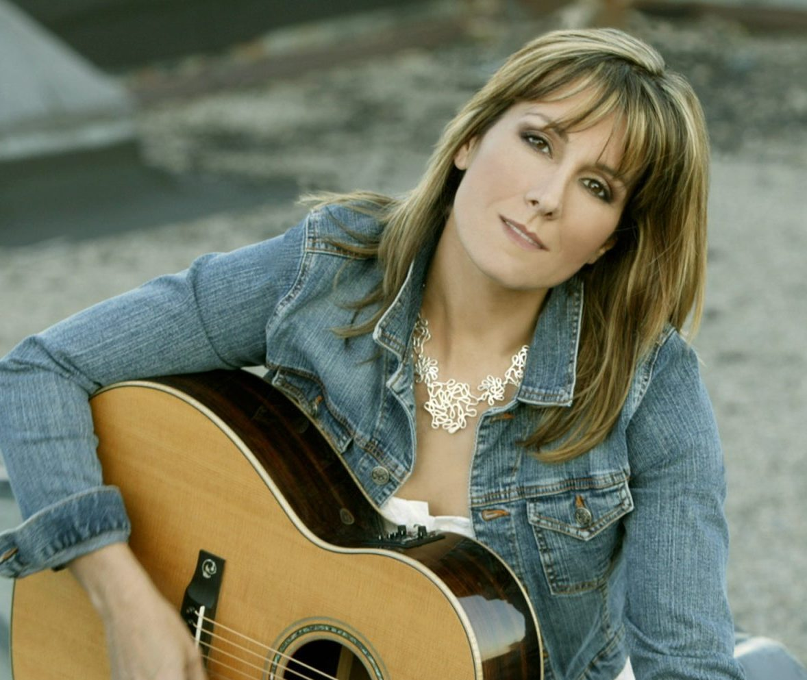 Country music legend Michelle Wright stays strong