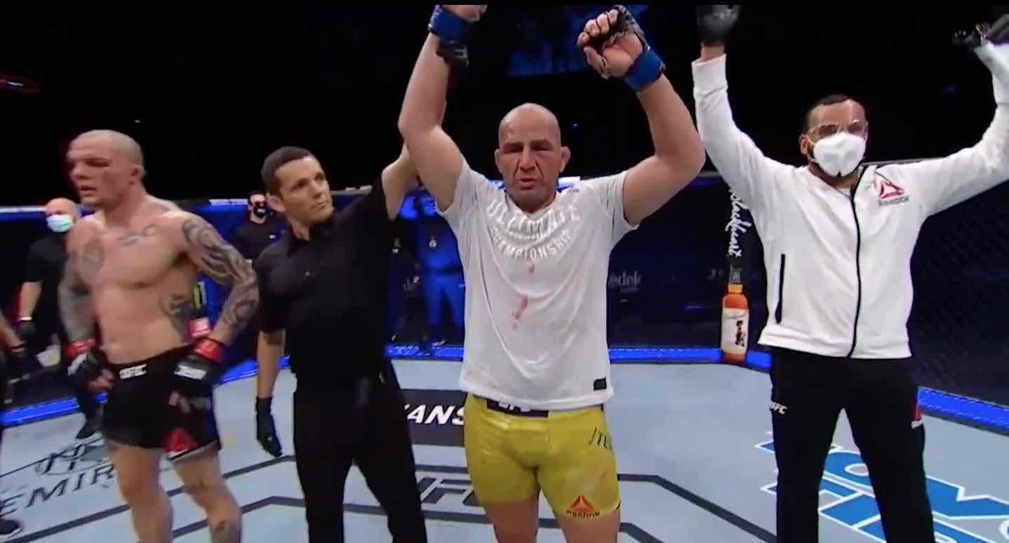 UFC on ESPN+ 29: Glover Teixeira brutalizes Anthony Smith