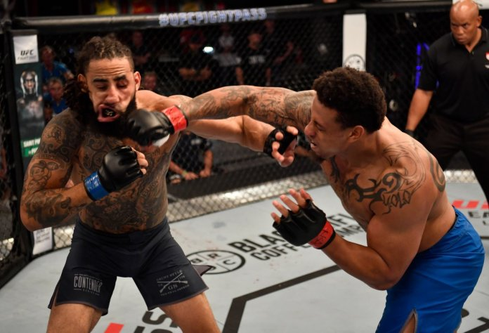UFC: Greg Hardy's MMA debut receives mixed reviews on Twitter - NFL