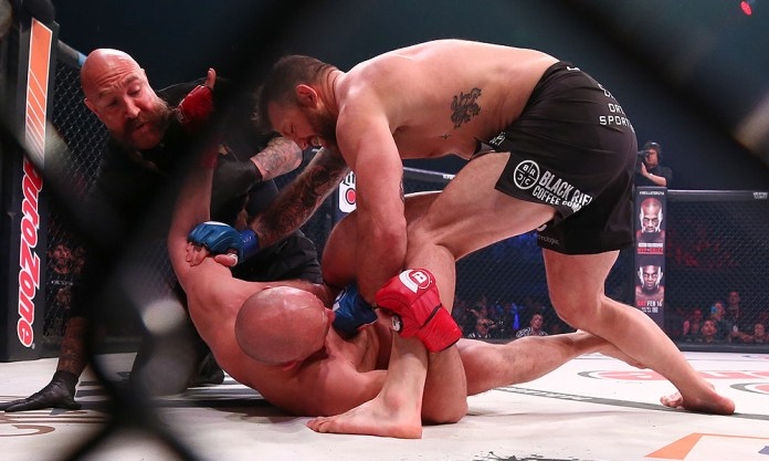 Twitter reacts to Ryan Bader knocking out Fedor Emelianenko with one punch and being crowned the Bellator HW Champ! - Bader