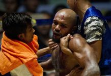 Lethwei-cel mai brutal sport din lume! Luptătorii au la dispoziție 2 minute pentru a reintra în luptă după ce și-au luat KO (VIDEO)