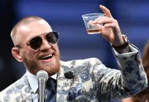 Conor McGregor a primit cadou o statuie cu el în valoare de $66,000 cu ocazia împlinirii vârstei de 30 de ani! Intră să vezi cum arată!