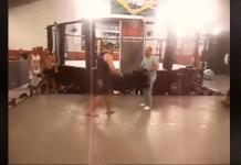 Ce se întâmplă când un luptător UFC lovește în glumă un jurnalist (VIDEO)