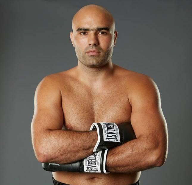 Un boxer român se va lupta pentru titlul mondial WBA la categoria grea! O victorie l-ar aduce la un pas de Anthony Joshua!