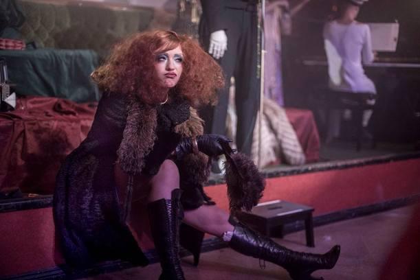 Lada Redstar nel ruolo della Prostituta.