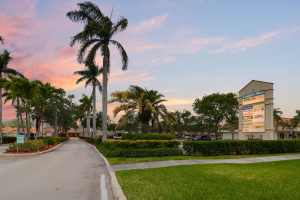 Shoppes of Loggers Run Coral Springs Florida