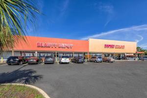 Lakeview Shopping Center