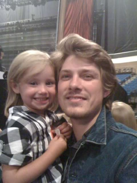 Taylor Hanson Makes the Most of Time With Family