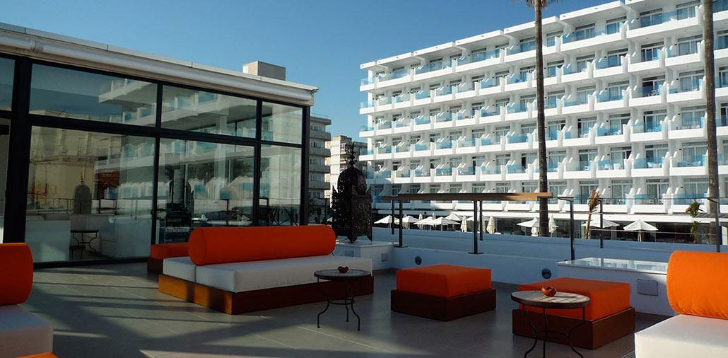 Hotel Iberostar Cupido: Dachlounge