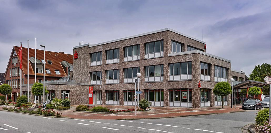 Energetische Fassadensanierung Sparkasse Jork nach Fertigstellung