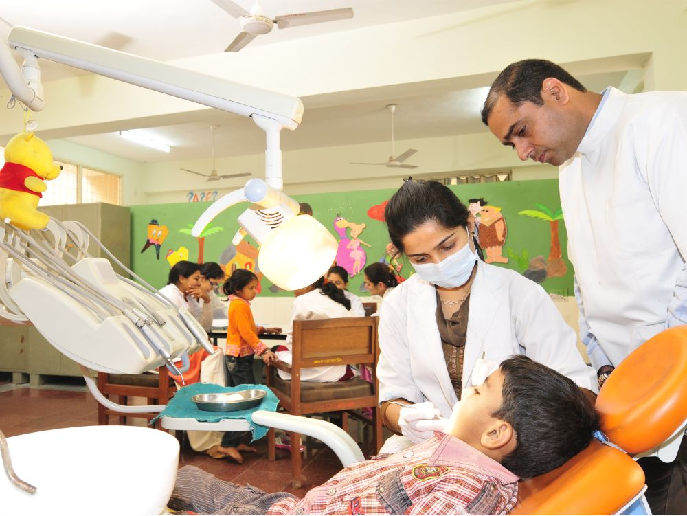 Postgraduate Clinic - Postgraduate students train and treat child patients for all basis and advanced oral health care procedures and behavioural management.