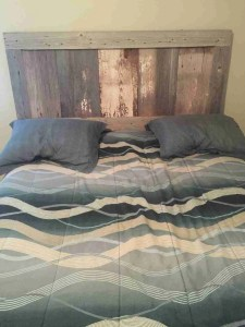 Minnesota Raw Barnwood Bed