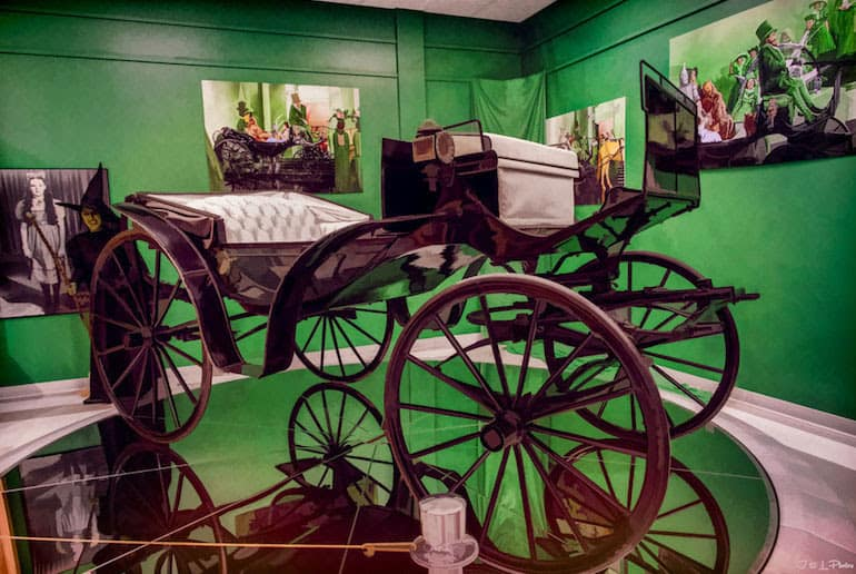 Wizard of Oz Carriage