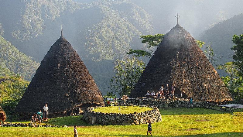 Image result for suku manggarai desa