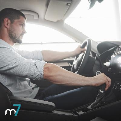 Motorista dirigindo | Manual do Motorista