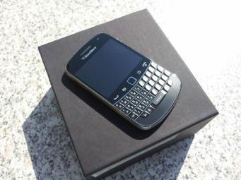 BlackBerry Bold 9900 (1)