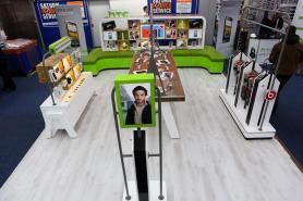 htc shop in shop (9) 9